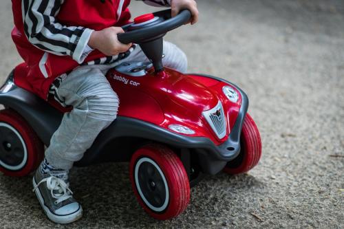 Jeździki, pojazdy dla dzieci https://brykacze.pl/jezdziki-dla-dzieci-45