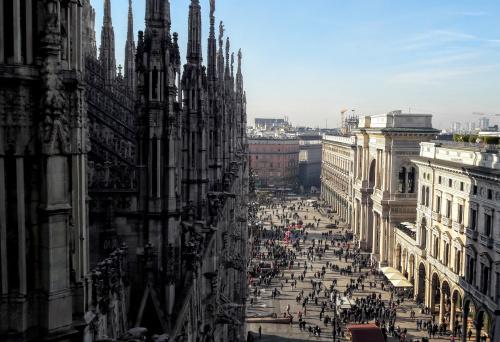 Widok z katedry Narodzin św. Marii w Mediolanie