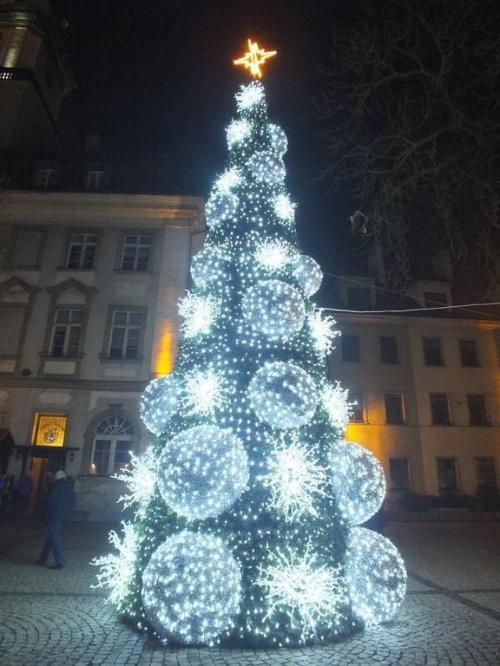 Zdrowych,spokojnych,radosnych,pełnych miłości i rodzinnego ciepła Świąt Bożego Narodzenia oraz szczęśliwego Nowego Roku :)