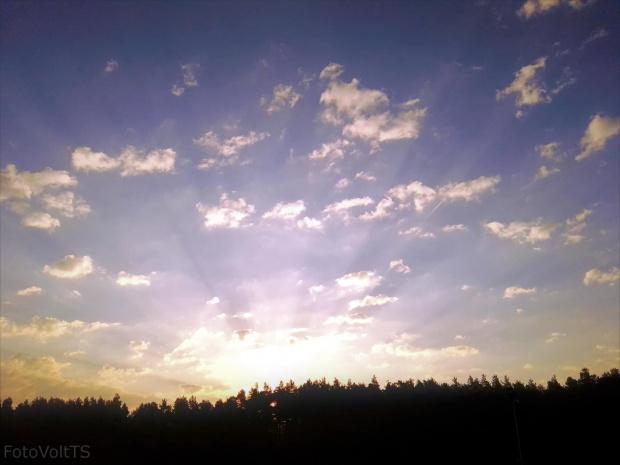 Słońce wstaje ze snu