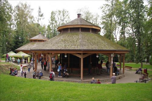 Tężnia solankowa w Parku Zdrojowym w Rabce Zdrój