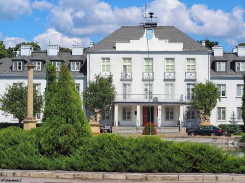 Pałac kozienicki, Siedziba Urzędu Miasta i Gminy