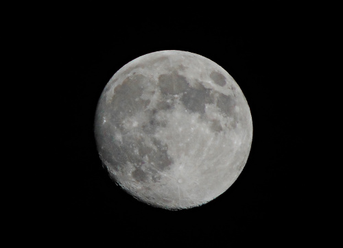 Księżyc prawie w pełni :)